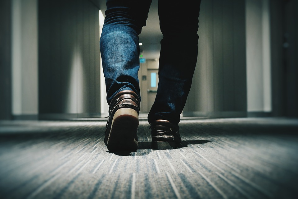 Study suggests that middle-aged people who report that they are slow walkers could be at higher risk of heart disease compared to the general population.